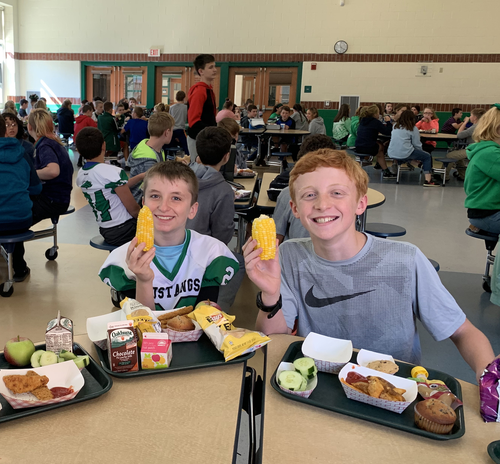 Maine Harvest Day at MMS!  Students at MMS enjoyed Maine blueberry muffins, McCain's potato wedges, Harris Farm's corn on the cob, Giles Farm apples, and Oakhurst milk choices today at lunch. Special thanks to our wonderful kitchen staff for this delicious meal!